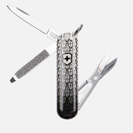 Карманный нож Victorinox Classic Eagle Flight Grey