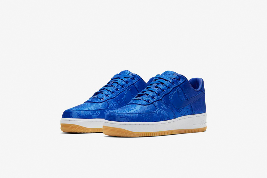 "Nike × CLOT ""Royal University Blue Silk"": два облика"