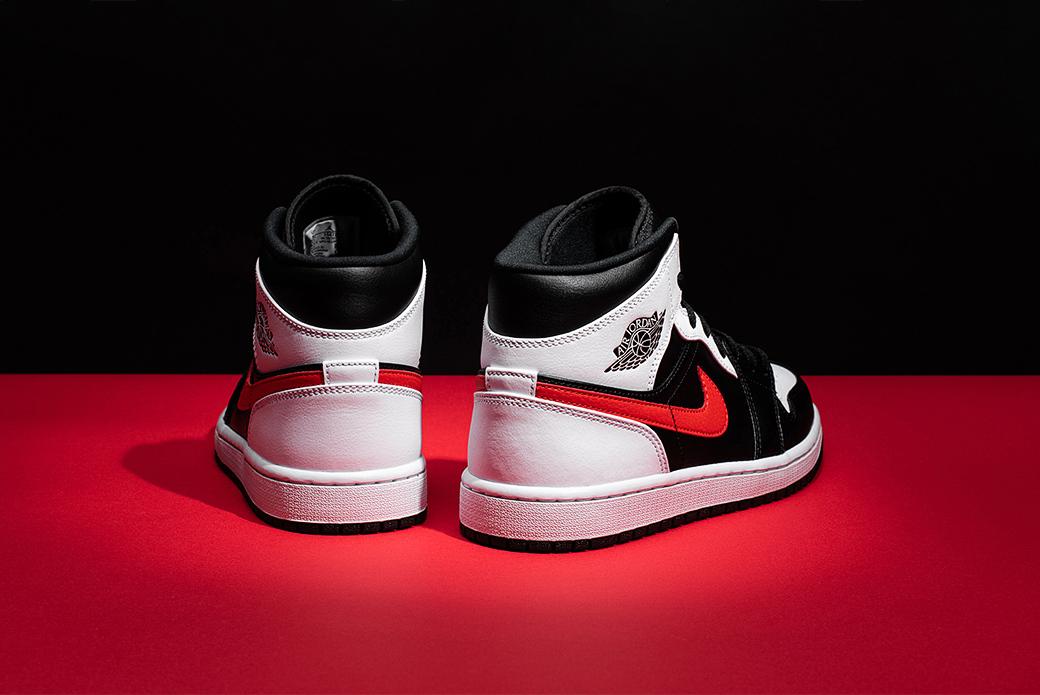 Air Jordan 1 Mid Black/Chile Red/White