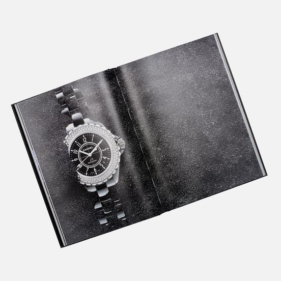 Книга Thames & Hudson Chanel Eternal Instant