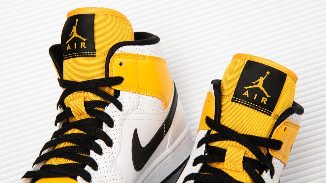 Air Jordan 1 Mid University Gold