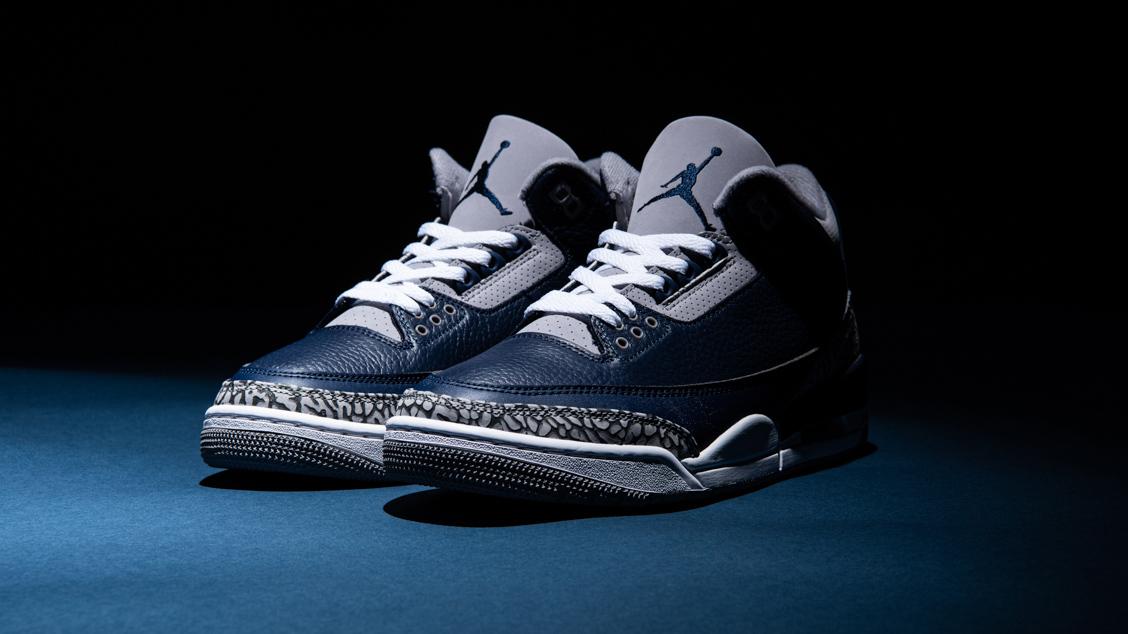 Air Jordan 3 Midnight Navy