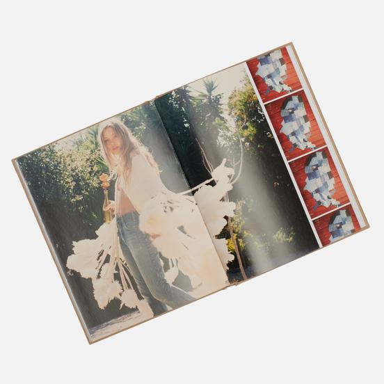 Книга Rizzoli A Denim Story: Inspirations From Bellbottoms To Boyfriends