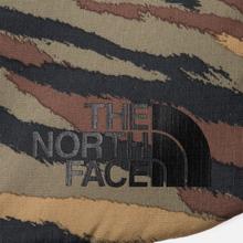 Чехол The North Face Flyweight Laptop 13 Britsh Khaki Tiger Camo Print/TNF Black фото- 2