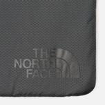 Чехол The North Face Flyweight Laptop 15 Asphalt Grey фото- 3