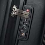 Дорожный чемодан Mandarina Duck Logoduck Trolley V11 Black фото- 6