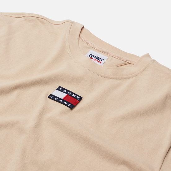 Мужская футболка Tommy Jeans Tommy Badge Pure Organic Cotton Smooth Stone