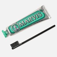 Дорожный набор Marvis Medium Nylon Toothbrush And Classic Strong Mint + XYLITOL 85ml фото- 0