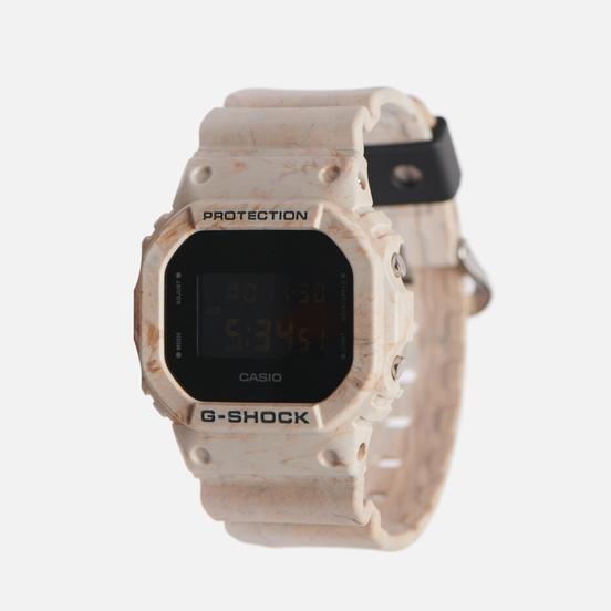 Наручные часы CASIO G-SHOCK DW-5600WM-5ER Utility Wavy Mable White/Black