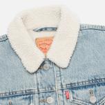 Женская джинсовая куртка Levi's Sherpa Trucker River Bank фото- 2
