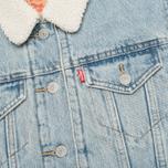 Женская джинсовая куртка Levi's Sherpa Trucker River Bank фото- 3
