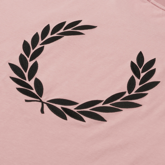 Женская футболка Fred Perry Oversized Badge Detail Chalky Pink