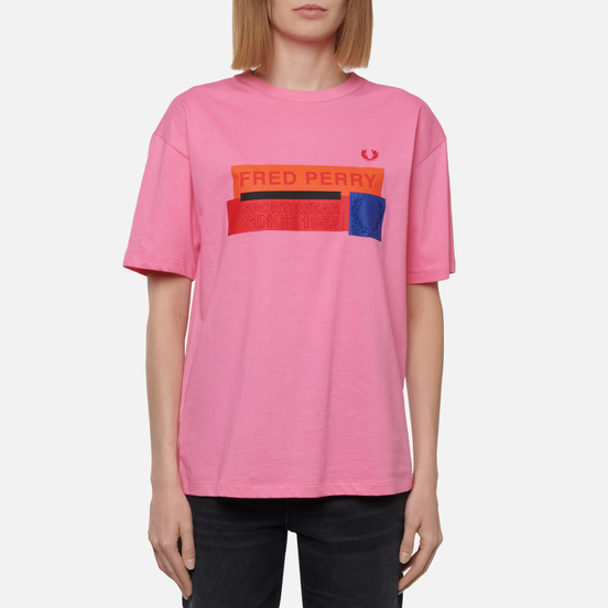 Женская футболка Fred Perry Colour Block Graphic Print Cocktail