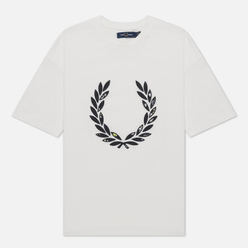 Женская футболка Fred Perry Floral Laurel Wreath Snow White