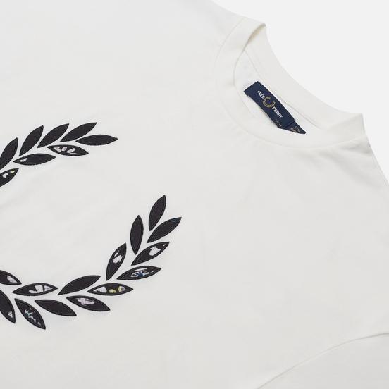 Женская футболка Fred Perry Floral Laurel Wreath Snow White