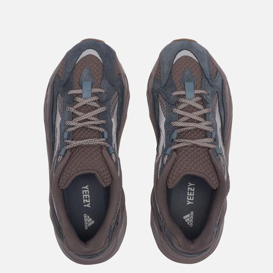 Кроссовки adidas Originals YEEZY Boost 700 V2 Mauve/Mauve/Mauve
