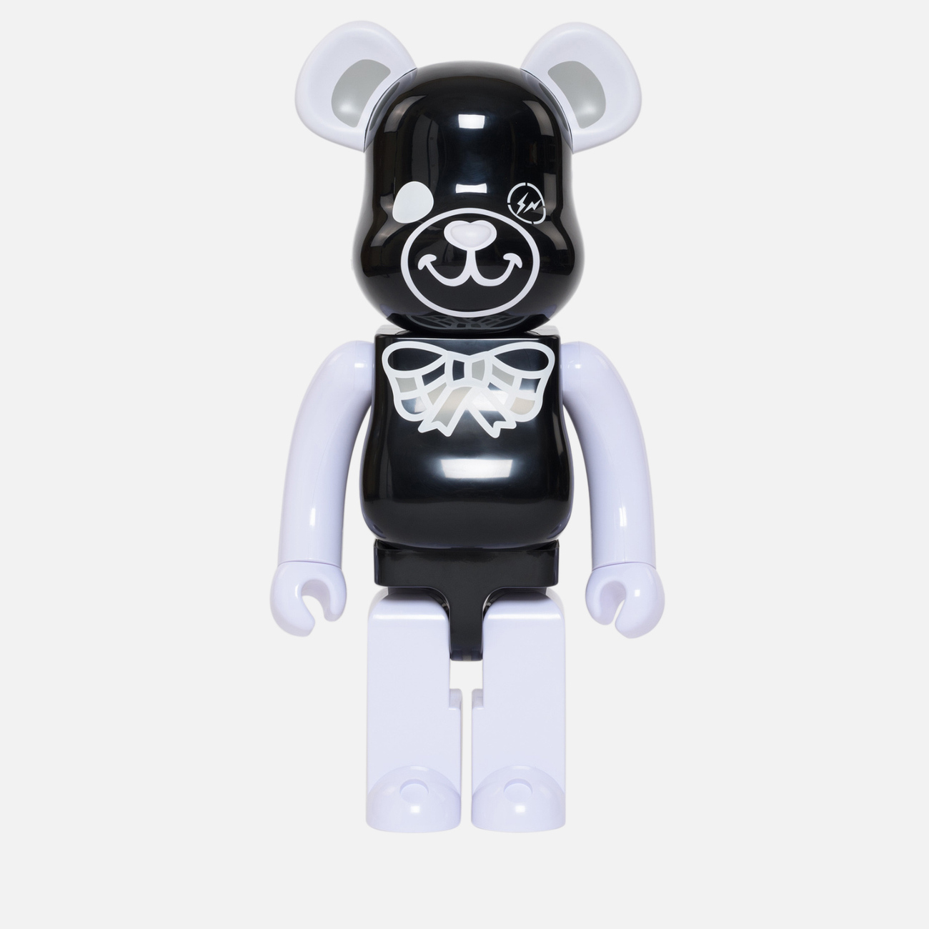 Игрушка Medicom Toy Bearbrick Freemasonry x Fragmentdesign Black 1000%