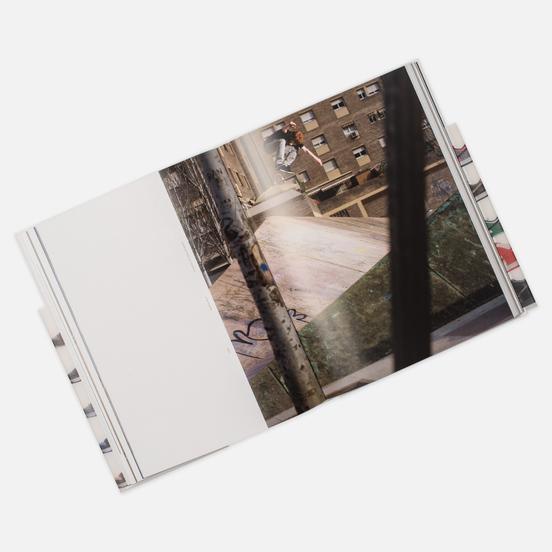 Книга Rizzoli Nike SB: The Dunk Book 352 pgs