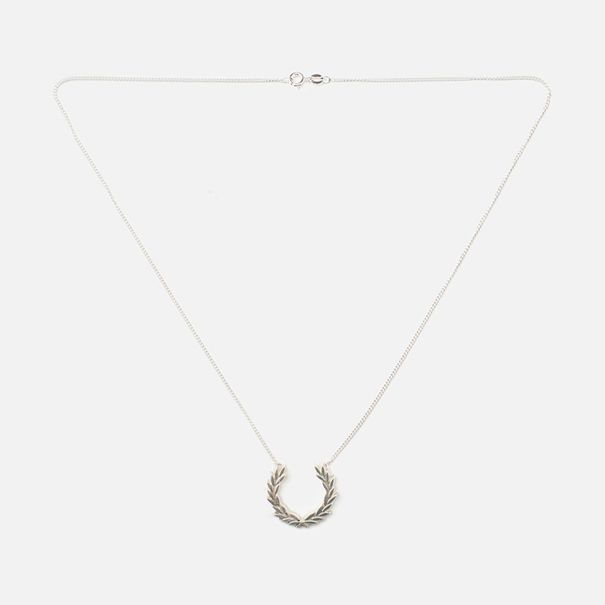 Колье Fred Perry Laurel Wreath Charm Necklace
