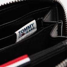 Кошелек Tommy Jeans Texture Small Zip Around Silver Metallic фото- 4