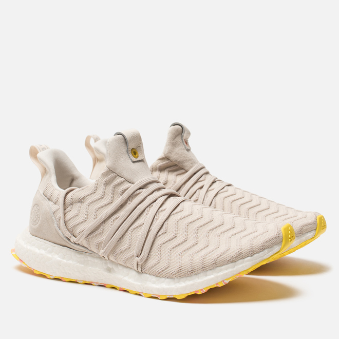 Мужские кроссовки adidas Consortium x A Kind of Guise Ultra Boost Chalk White/Chalk White/Punjab