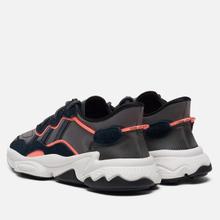 Кроссовки adidas Originals Ozweego Core Black/Grey Six/Signal Coral фото- 2
