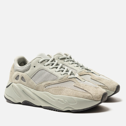 Кроссовки adidas Originals YEEZY Boost 700 Salt/Salt/Salt