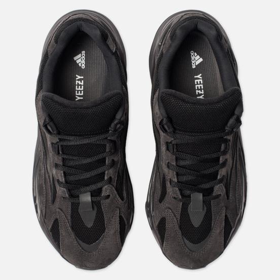 Кроссовки adidas Originals YEEZY Boost 700 V2 Vanta/Vanta/Vanta