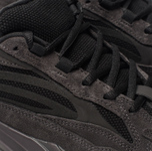 Кроссовки adidas Originals Yeezy Boost 700 V2 Vanta/Vanta/Vanta фото- 6