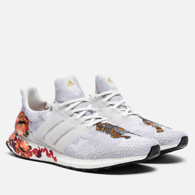 Мужские кроссовки adidas Performance Ultra Boost DNA Chinese New Year 2020 Crystal White/Crystal White/Gold Metallic