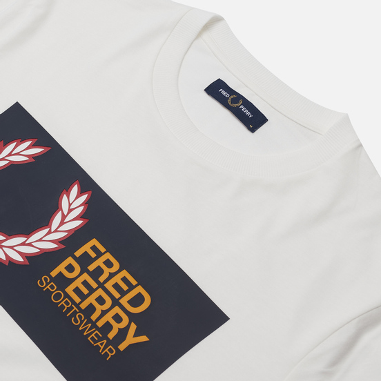 Мужская футболка Fred Perry Logo Colour Block Snow White