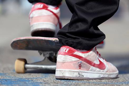 Nike SB × StrangeLove Skateboards: материальная любовь