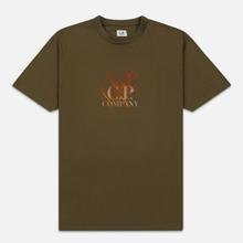 Мужская футболка C.P. Company Blurred Graphic Logo Olive Night фото- 0