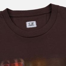 Мужская футболка C.P. Company Blurred Graphic More Logo Peppercorn фото- 1