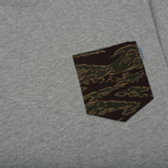 Мужская футболка Carhartt WIP Lester Pocket Grey Heather/Camo Tiger Laurel фото- 2