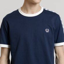 Мужская футболка Fred Perry Taped Ringer Carbon Blue/White фото- 2