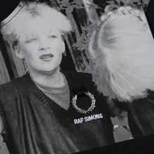 Мужская футболка Fred Perry x Raf Simons Shoulder Print Black фото- 2