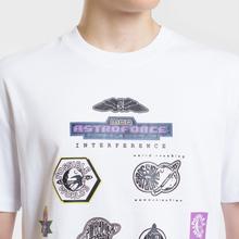 Мужская футболка McQ Alexander McQueen Sponsorship Dropped Shoulder Optic White фото- 3