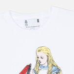 Мужская футболка YMC x British Library Alice in Wonderland I Know Something White фото- 1