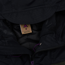 Мужская куртка ветровка Nike ACG Black/Sequoia/Black фото- 1