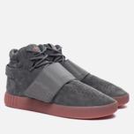 Кроссовки adidas Originals Tubular Invader Strap Grey Four/Grey Four/Raw Pink фото- 2