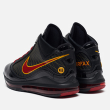 Мужские кроссовки Nike Lebron VII QS Fairfax Away Black/Varsity Red/Varsity Maize фото- 2