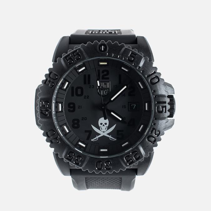 Мужские наручные часы Luminox Jolly Roger XS.3051.JR.SET.N Black