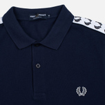 Мужское поло Fred Perry Sports Authentic Taped Pique Carbon Blue фото- 1