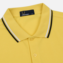 Мужское поло Fred Perry Twin Tipped Electric Yellow/White/Black фото- 1