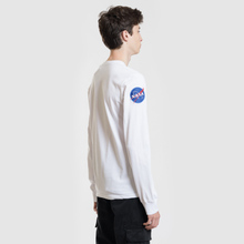 Мужской лонгслив Alpha Industries Nasa LS White фото- 3