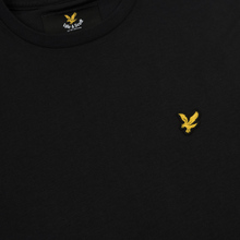 Мужской лонгслив Lyle & Scott Crew Neck True Black фото- 2