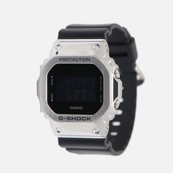 Наручные часы CASIO G-SHOCK GM-5600-1ER Silver/Black