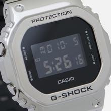 Наручные часы CASIO G-SHOCK GM-5600-1ER Silver/Black фото- 1