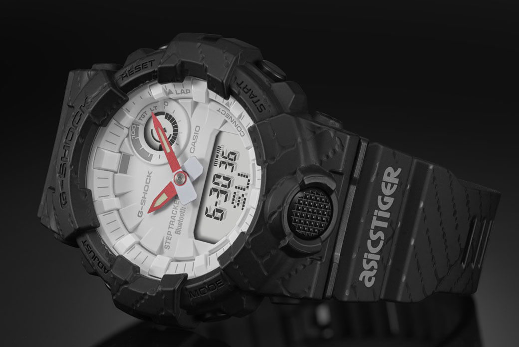 CASIO G-SHOCK × ASICS GBA-800AT-1A: бег на время
